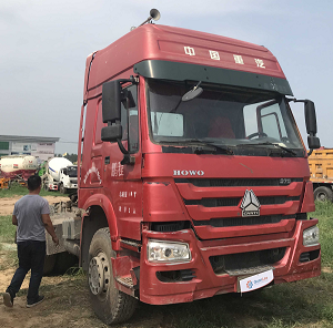 003 Used Tractor -CW666778 Howo 10 -6X4-Red